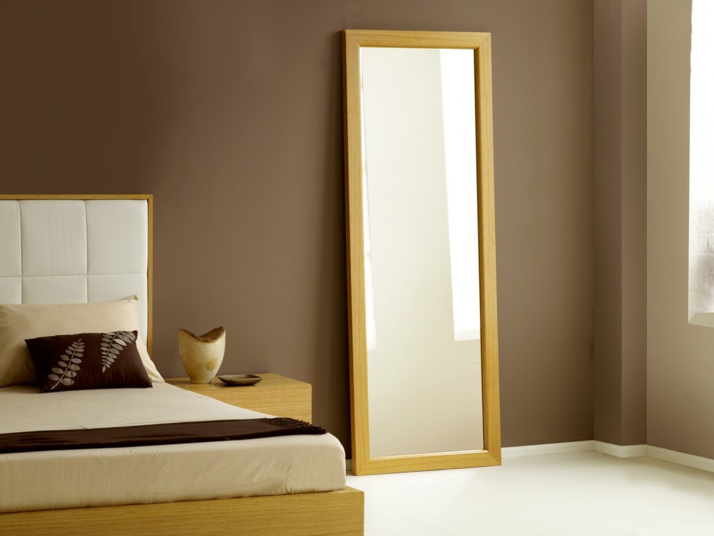 It's ok to have mirrors in your bedroom as long as you won't see