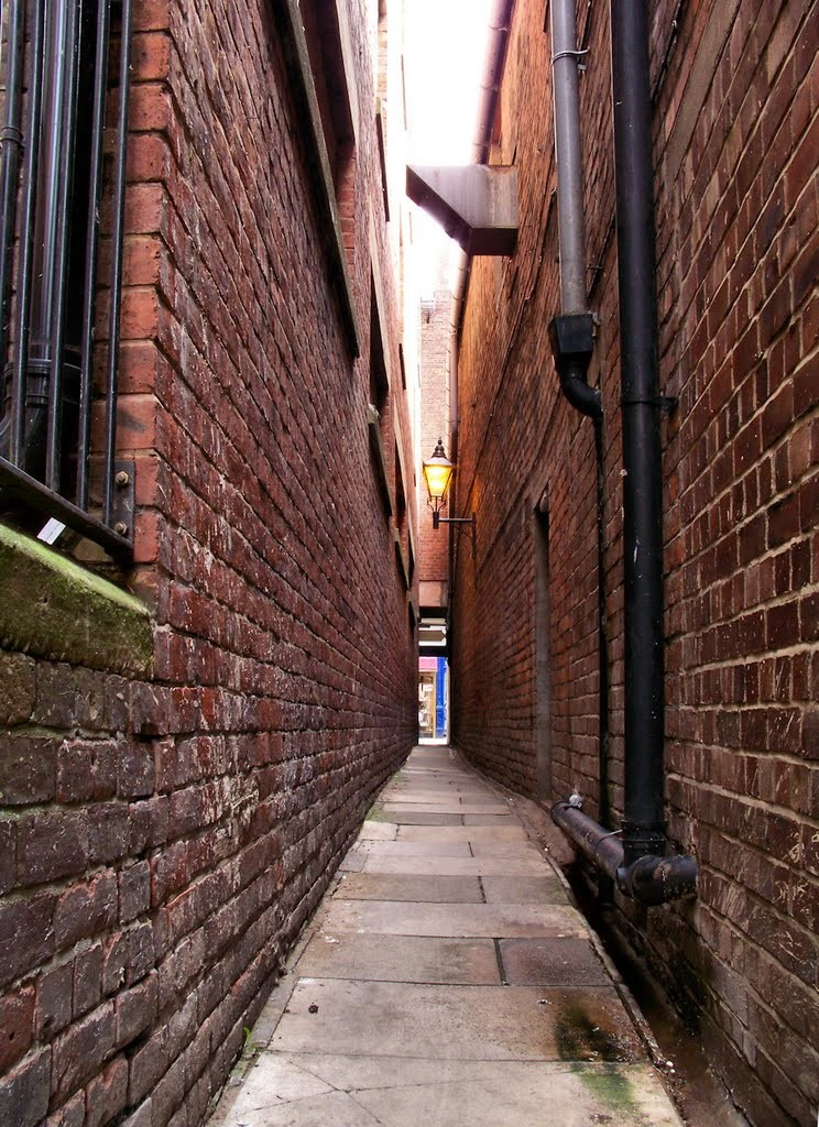 "Long narrow alleys are also a form of feng shui's ""poison arrow""."