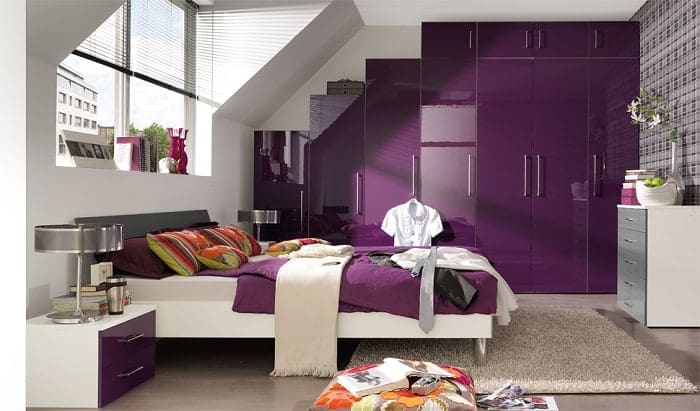 contemporary-bed-under-big-window-feng-shui-purple-theme-min (Demo)