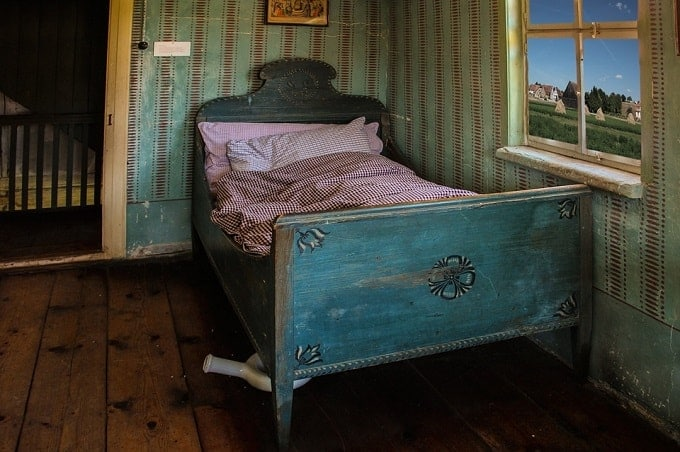Feng Shui Of Old Second Hand Bed Used By Sick Person Feng Shui Nexus